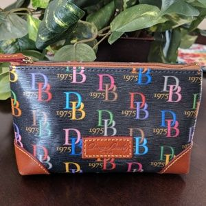 🌸🌸 SOLD🌸🌸Doo & Bourke Black Multi Cosmetic bag